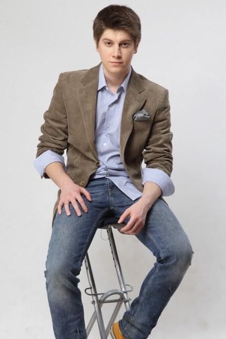Как носить джинсы с пиджаком