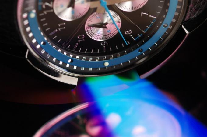 Как отличить копии швейцарских часов