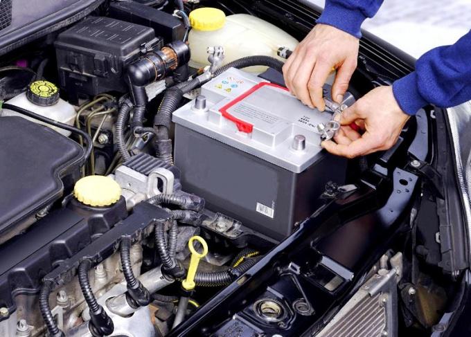 Автомобильный аккумулятор: как с ним подружиться