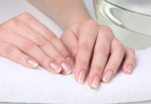 How to treat nails
