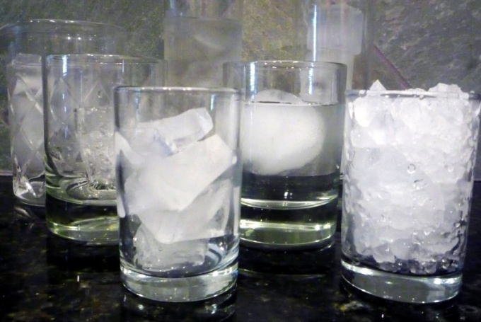 How to make ice for cocktails