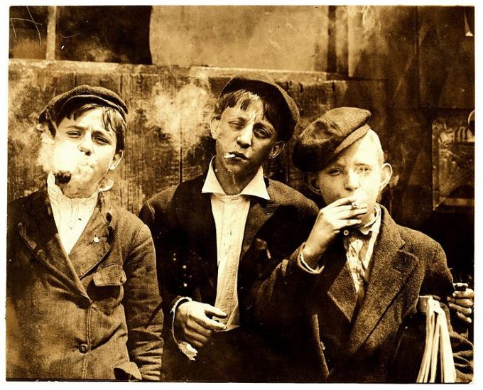 Как отучить от курения ребенка