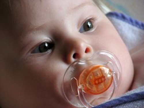 How to choose a pacifier for baby
