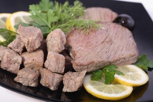 Как приготовить мясо в фольге в духовке
