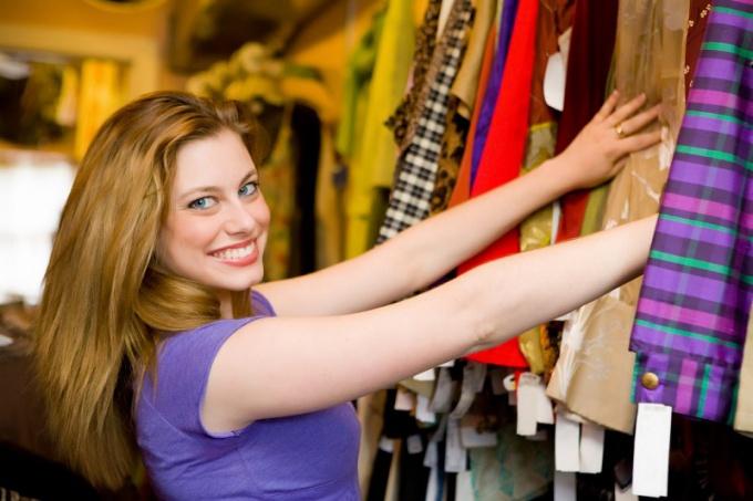 Как подобрать ассортимент магазина одежды