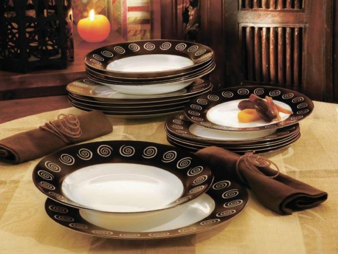 Как выбрать столовый сервиз