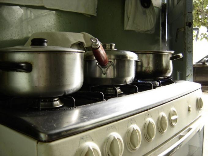 Как обставить кухню площадью 6 кв. м.