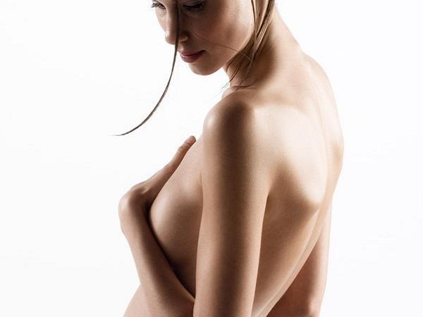 Как добиться упругой груди