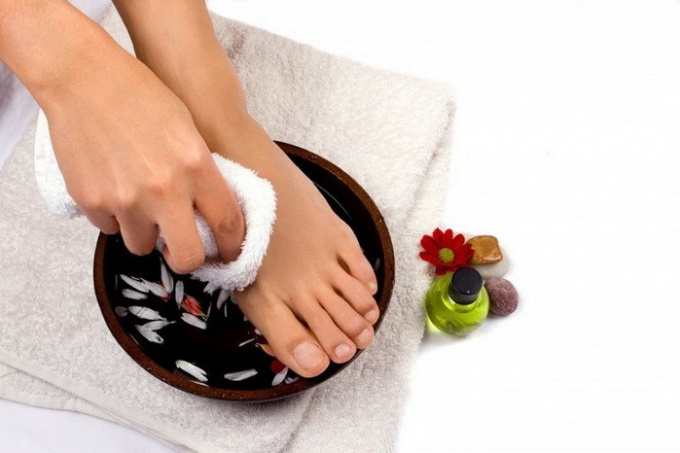 How to treat skin fungus on legs