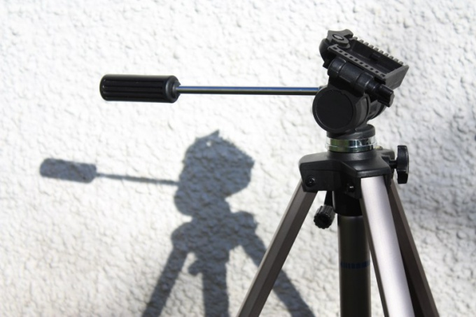 How to choose a tripod for camcorder