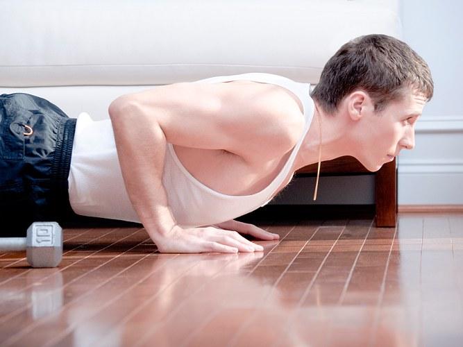 Как накачать грудные мыщцы