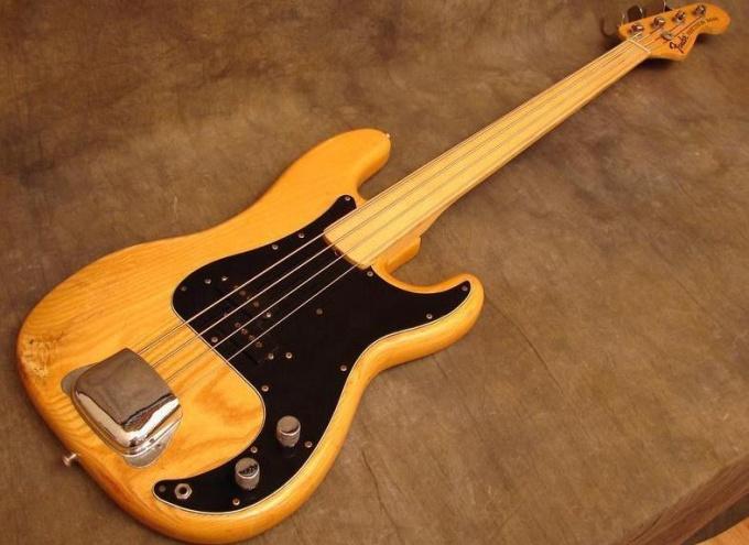 Как натягивать струны на бас
