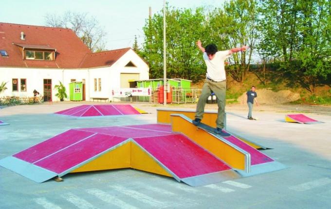 Как построить скейт-парк