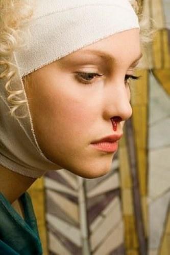 Как стремительно остановить кровотечение