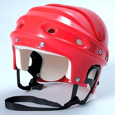 Как выбрать хоккейный шлем
