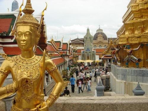Как вести себя в Таиланде