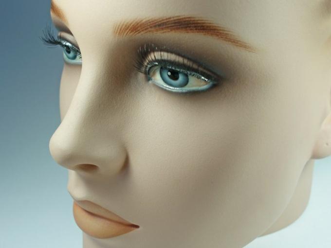 Как нарисовать кукольные глаза