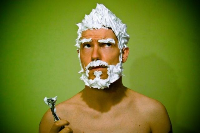 How to apply gel for shaving