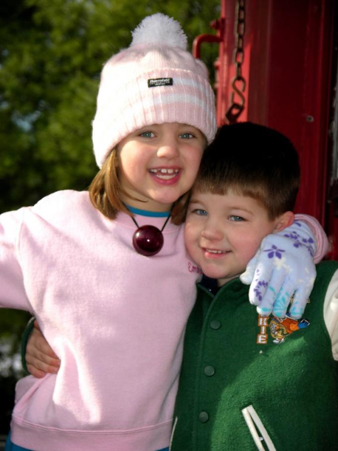 Как научить ребенка быстро одеваться