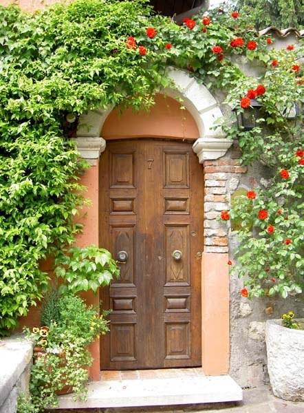 How to make the main door