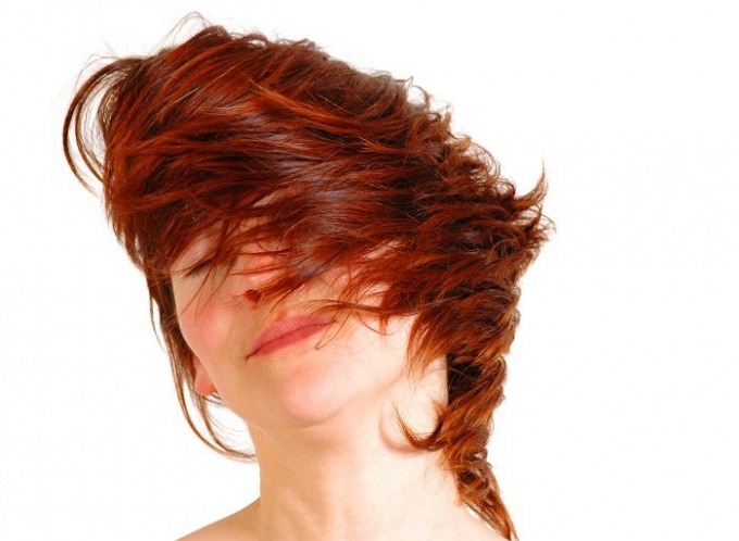 How to dye your hair bright red