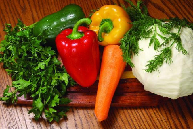 Как приготовить диетический салат