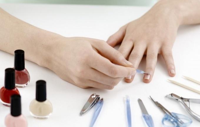 Как декорировать ногти