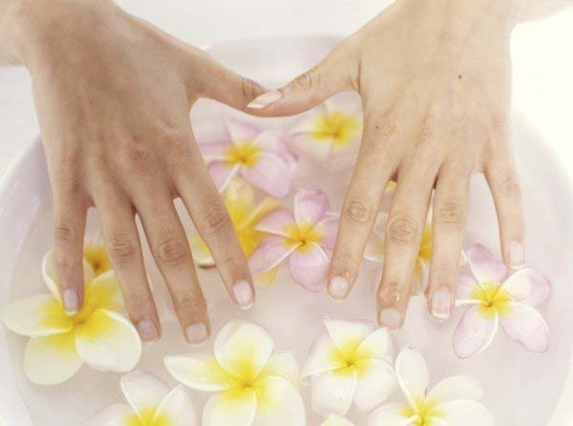How to grow healthy nails