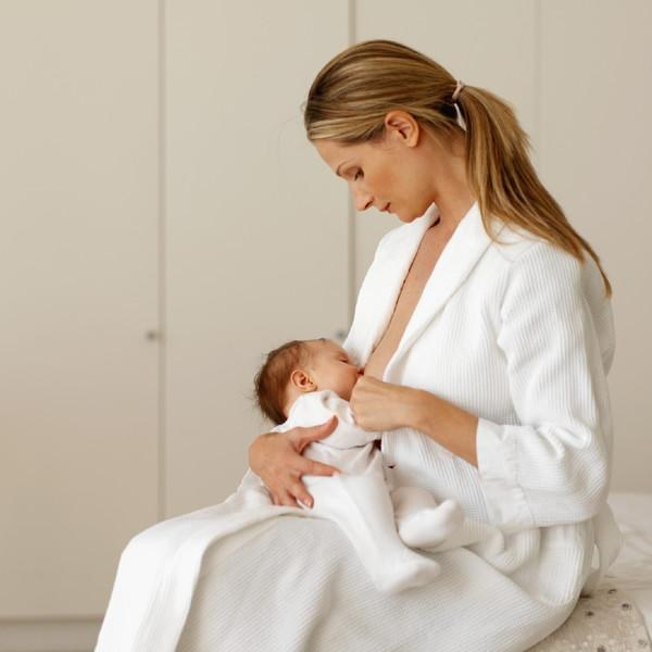 How to stop hair loss after childbirth