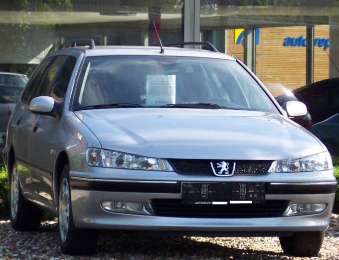 How to replace light bulb Peugeot 406