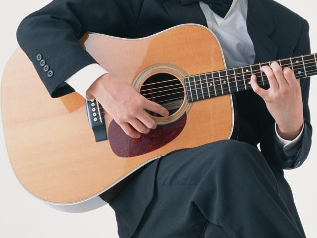 Как научиться играть на гитаре, не зная нот