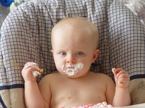 Как вводить ребенку прикорм