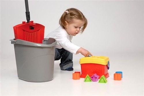Как заставить ребенка убираться