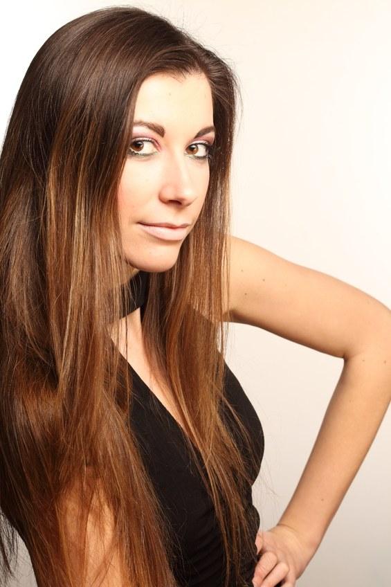 Как лучше убрать с волос статическое электричество