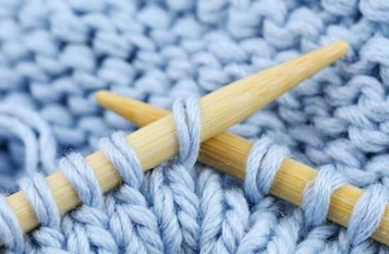 How to knit simple broach