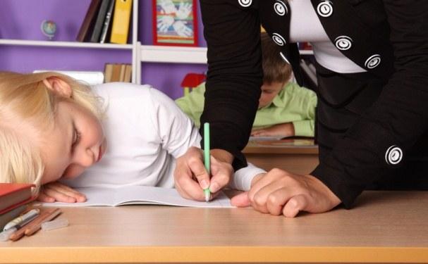 Как научать школьника читать быстро