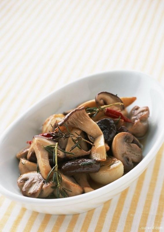 Как вкусно пожарить картошку с грибами