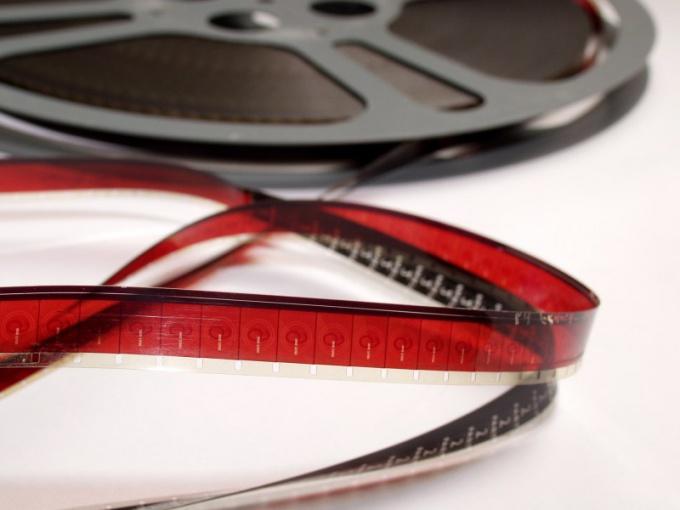 Как вставить в фильм дорожку