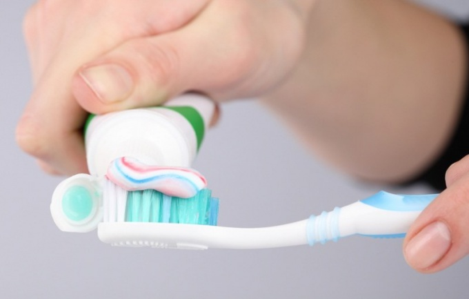 How to encourage your child to brush teeth