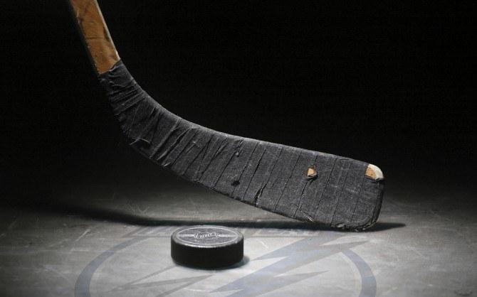 How are friendlies ice hockey