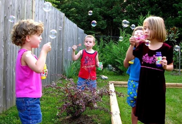 Чем заняться на майские праздники на даче с детьми
