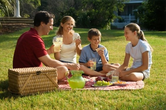 Как провести майские праздники с семьей