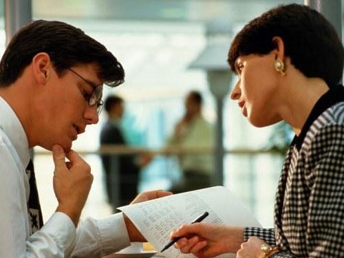 Как оформить материальную помощь сотруднику