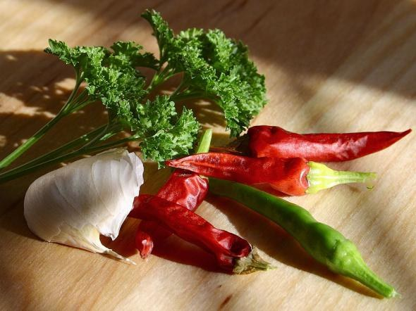 How to make a tincture of Cayenne pepper