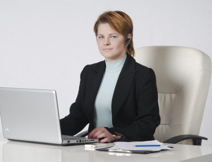 Как устроиться помощником адвоката