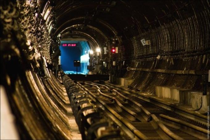 Екатеринбургский <strong>метро</strong>строй: http://trinixy.ru/pics4/20110419/metro_36.jpg