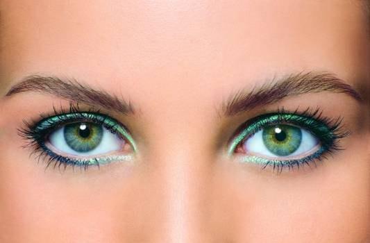 Как макияжем визуально увеличить глаза