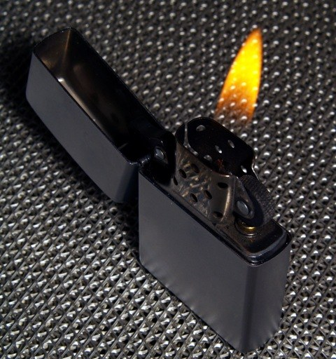 Как зажечь zippo