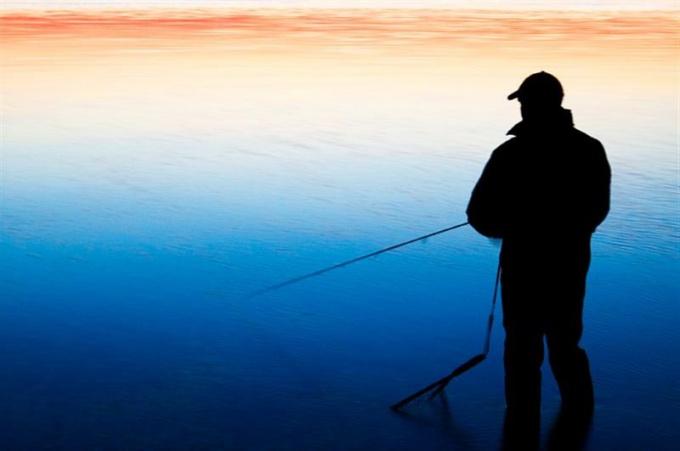 Как ловить на поплавочную удочку