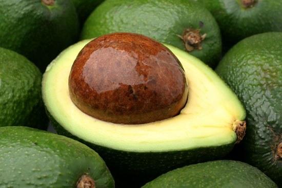 Как нужно есть авокадо